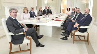 Primer consejo del gobierno de la comunidad de Madrid presidido por Ángel Garrido